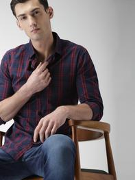 Men Navy & Red Slim Fit Checked Casual Shirt