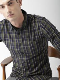 Men Navy Blue & Green Slim Fit Checked Casual Shirt