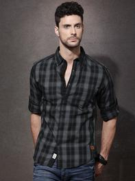 Men Black & Grey Checked Casual Shirt