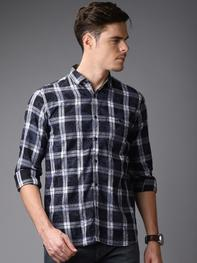 Men Black & White Slim Fit Checked Casual Shirt