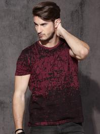 Men Red All-Over-Printed Round Neck T-shirt